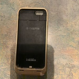 Mophie charging case for an Apple iPhone 6 or 6s